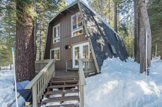 Immaculate Adorable Home At Tahoe Donner