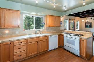 Attractive West Shore Chalet On An Oversized Lot