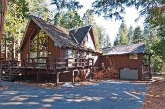 Warm & Inviting Mountain Cabin