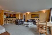 9200-Brockway-Springs-Dr-62-print-003-3-Living-Room-4200x2800-300dpi